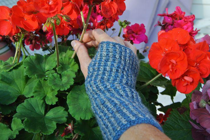 Wool wristwarmers