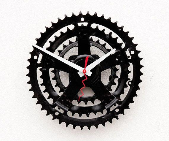 repurposed bicycle crank clock