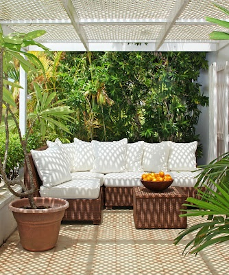 Sea Side porch. Want to make our Florida room resemble this in some manner.