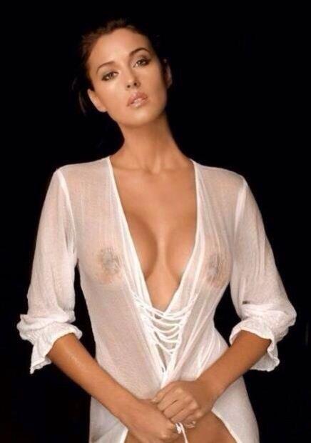 Mónica Bellucci…, Sexy babe