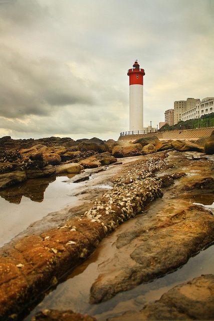 Umhlanga Lighthouse on the coast of KwaZulu-Natal	,South Africa	29,728479, 31,088069   by Africa Dave, via Flickr