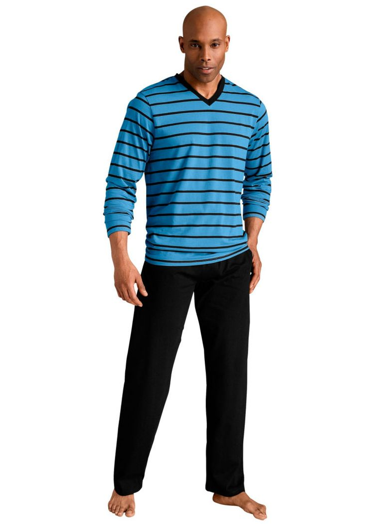 You can find in the online shop Quick24 modern and comfortable pajamas for men. Don't forget about the 3,6% cashback for buying it via CashOUT #cashback #menpajamas