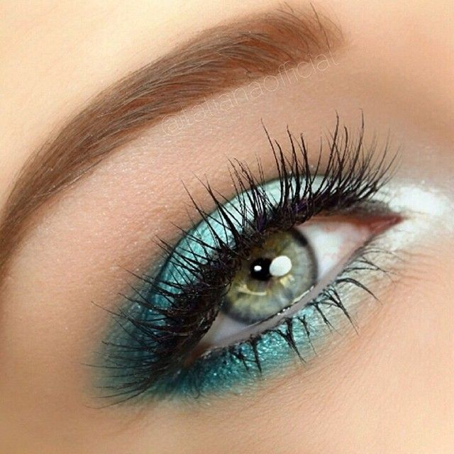 Eye makeup in cool colors: like a tropical beach for your eyes. Try OCC Loose Colour Concentrates from Camera Ready Cosmetics.
