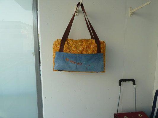 Sporttasche mit Strassmotiev