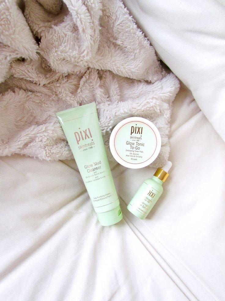 Some Pixi skin treats on the blog now! Reviewed a few cult classics, so if you're looking into trying these products out, check out my blog post to learn more about them! http://www.naancymaac.ca/2017/10/pixi-skin-treats-glow-mud-cleanser.html #bblogger #beautyblogger #bbloggers #bbloggersCA #pixi #pixibeauty #pixiskintreats #glowtonic #glowmudcleanser #serum #skincare #review #ontheblog #beautybloggers #torontobloggers #torontoblogger #toronto #pixibypetra #beauty #flatlay #crueltyfree