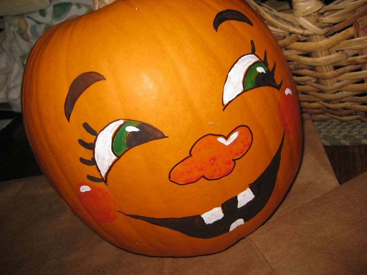 What are some pumpkin painting design ideas?
