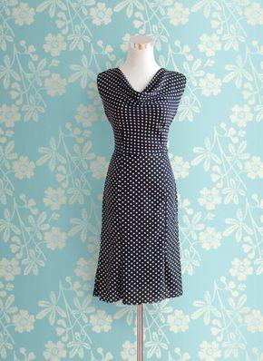 Elegantes Kleid mit Wasserfallausschnitt - Kostenloses PDF-Schnittmuster zum Drucken ❤️ Gr. 32 - 54 ❤️ DIY - selber nähen ❤️ ✂️ Jetzt Nähtalente.de besuchen ✂️