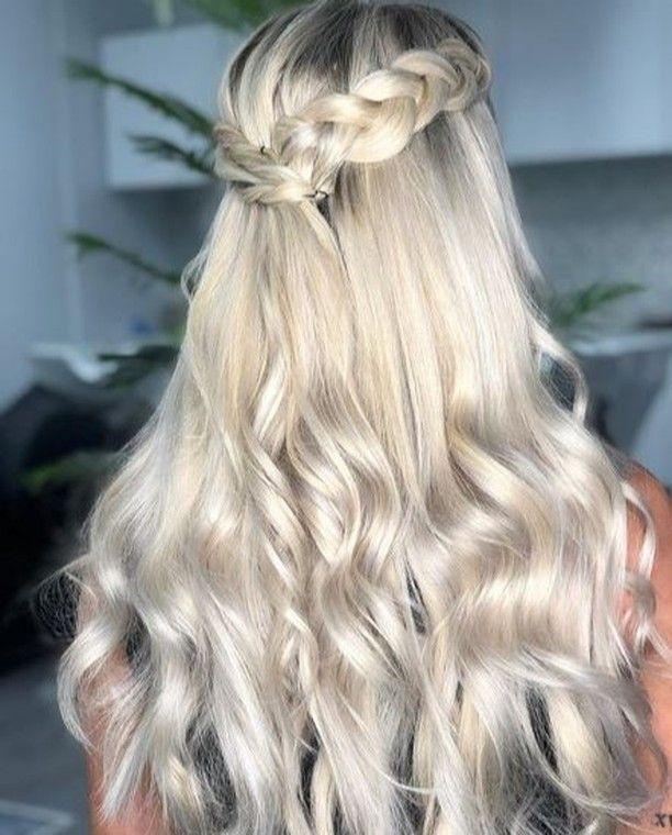 📷@naomimoreno_hairology stunning weft extension…