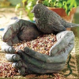 <3 bird feeder