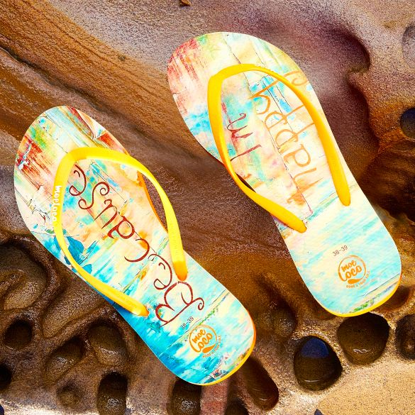 because-i-am-happy-moeloco-flip-flops