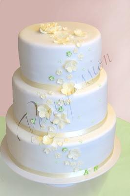 ... moderne Hochzeitstorten mit Blumenmotive  Hochzeit  Pinterest  Blog