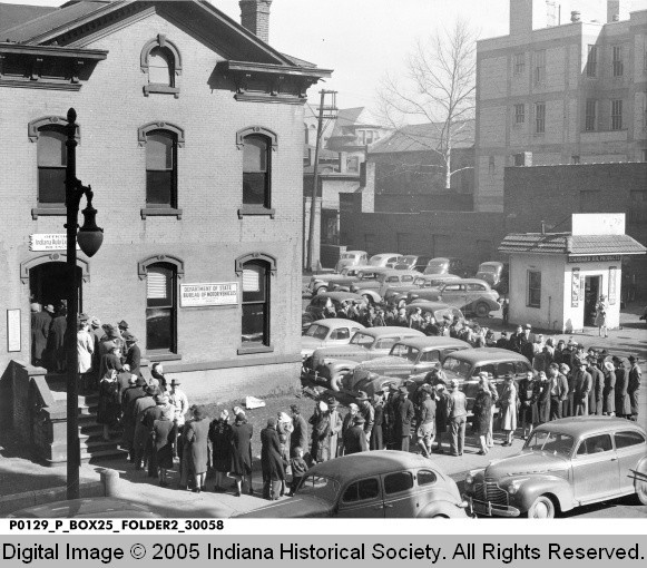 1943 terre haute crowd at the automobile license branch | indiana