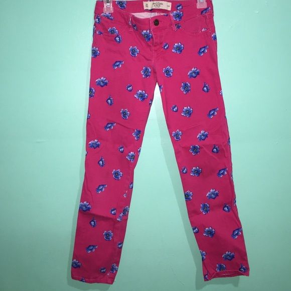 Abercrombi & Fitch Pants Only wore twice & in great condition Abercrombie & Fitch Pants Skinny