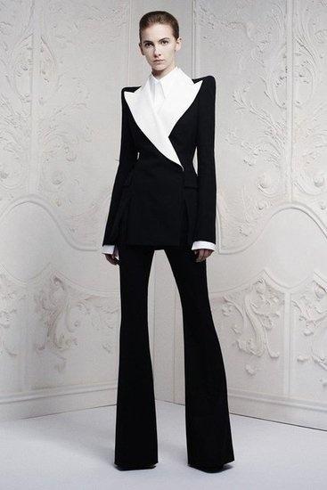 Alexander McQueen Resort 2013 Photo 1: Style, Alexandermcqueen, Clothing, Resorts 2013, Suits, Mcqueen Resorts, Fashion Inspiration, Resort2013, Alexander Mcqueen 2013