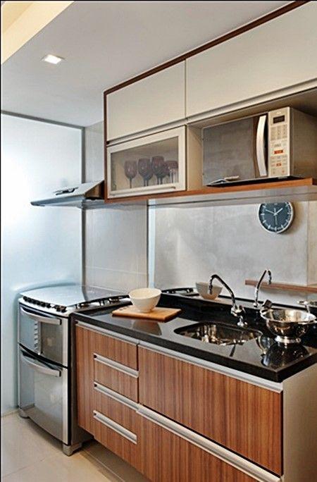 Small kitchen cozinha pequena  Obs: possível microondas acima de pia
