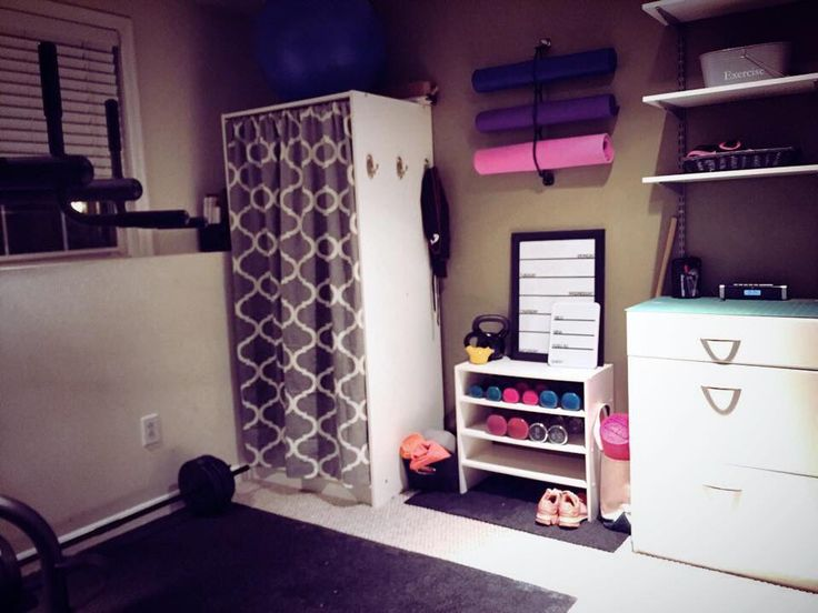 Gear Grabber organizing yoga mats in a home fitness room. Your exercise studio can be clutter free. The Gear Grabber organizes and stores yoga gear, foam rollers, bike helmets, lacrosse gear, shoes and much more. A great way to provide storage for your gear. No more piles of clutter! Organize, store and access your gear!