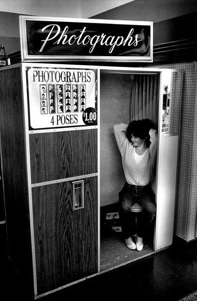 Loved photo booths when you could have 4 different poses not 4 the same.