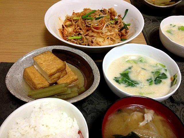 久々に。 - 1件のもぐもぐ - 豚キムチ、青梗菜の帆立クリーム餡、フキと厚揚げのたいたん、お味噌汁。 by Angie44