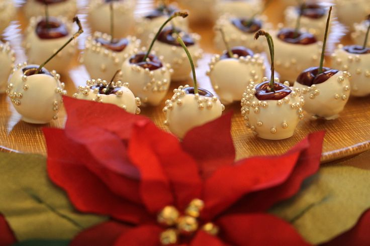 white chocolate dipped cherries | Fruit Bijoux | Pinterest