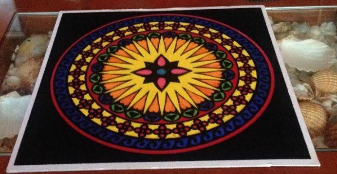 #Mándala #anti-estrés pintado con #rotuladores #HOWTO #DIY #artesanía #manualidades #reciclaje vía @seofemenino