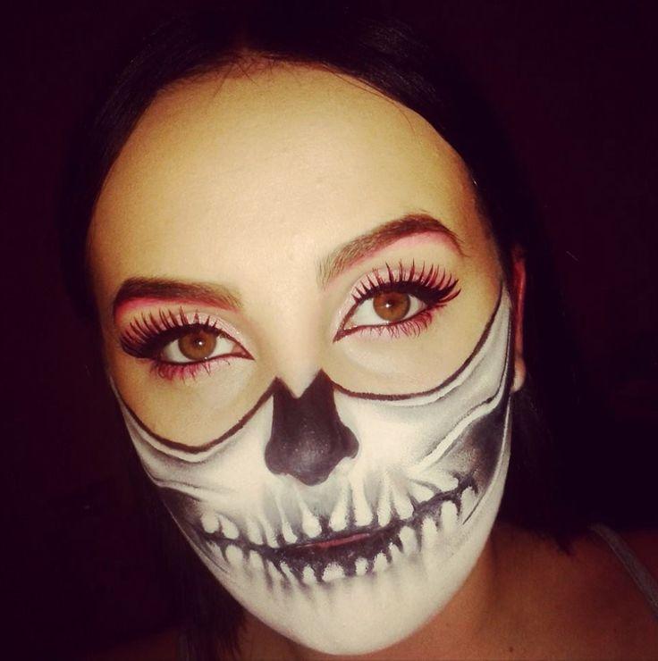 Half skeleton, half beauty Halloween makeup Shannon Carlyle