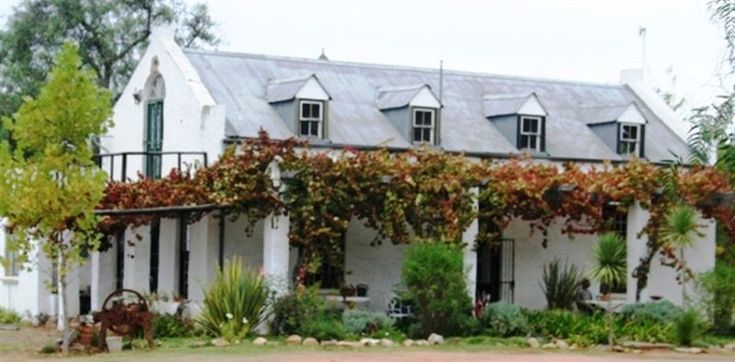 Almondbury Guest Farm - Welcome to Almondbury Guest Farm.  Situated between the picturesque Langeberg Mountains, just a mere 6 kilometres from the centre of Robertson. This is the ideal getaway if you are wanting some peace and ... #weekendgetaways #robertson #southafrica