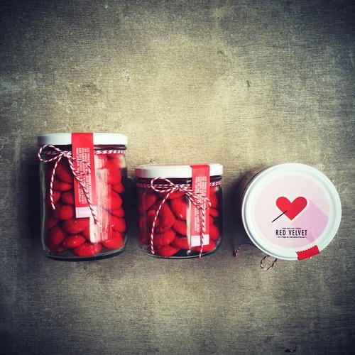 Red Velvet Mini Cookies (temporada de Amor & Amistad) Pídelas por nuestra tienda en www.homebaked.com.co