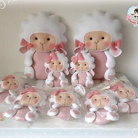 Doces ovelhinhas. #feltro #ovelhinhas #batizado #decoração #meninas #handmade #instacraft #feitoamao #feltcute #costurinhas
