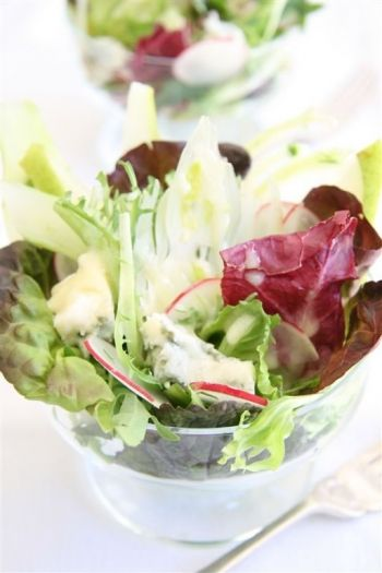 Shaved Fennel Salad with Gorgonzola and Baby Mixed Leaves
