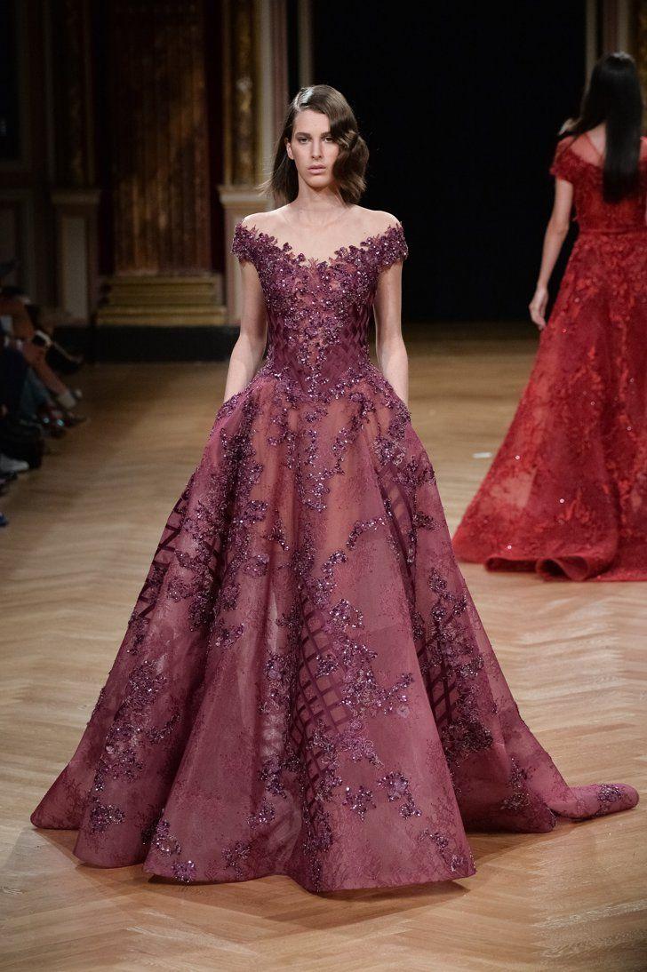 Pin for Later: Régalez la Modeuse Qui Est en Vous Avec les Looks les Plus Extravagants de la Semaine de la Haute Couture Ziad Nakad