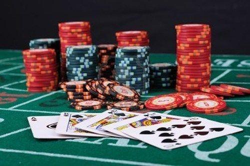 Spesifikasi kemampuan untuk membaca poker adalah seni, dan membelajari kemampuan tetang perilaku lawan anda yang menunjukan sikap gugupnya, secara itu pula anda