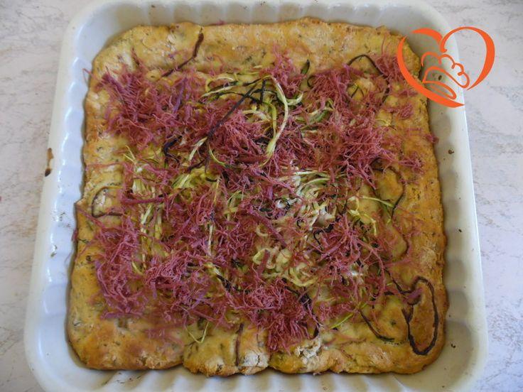 Focaccia zucchine e sfilacci di cavallo http://www.cuocaperpassione.it/ricetta/59371f4c-9f72-6375-b10c-ff0000780917/Focaccia_zucchine_e_sfilacci_di_cavallo