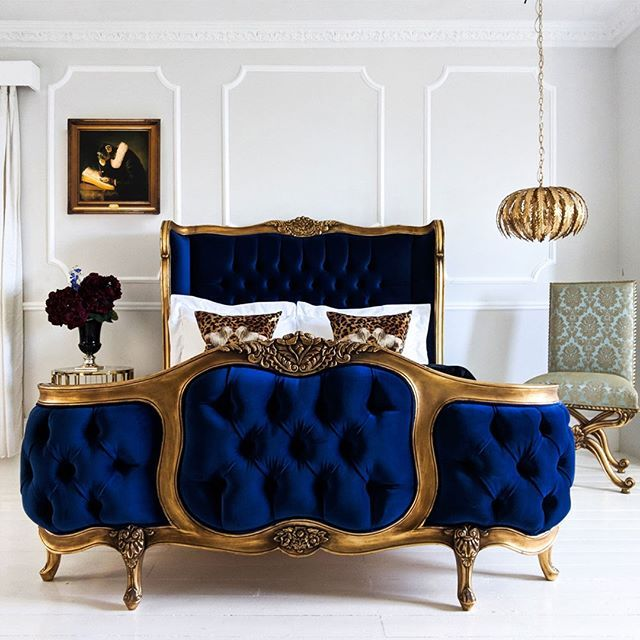 Best The Most Luxurious Dark Blue Velvet Chesterfield And Gold 640 x 480