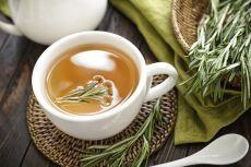 Лучшие травяные чаи и настои от головной боли.