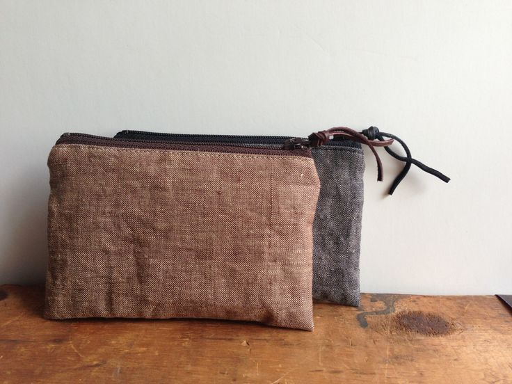 Brown Linen Coin Purse, Small Zipper Pouch by zakkastudio on Etsy https://www.etsy.com/listing/162387949/brown-linen-coin-purse-small-zipper