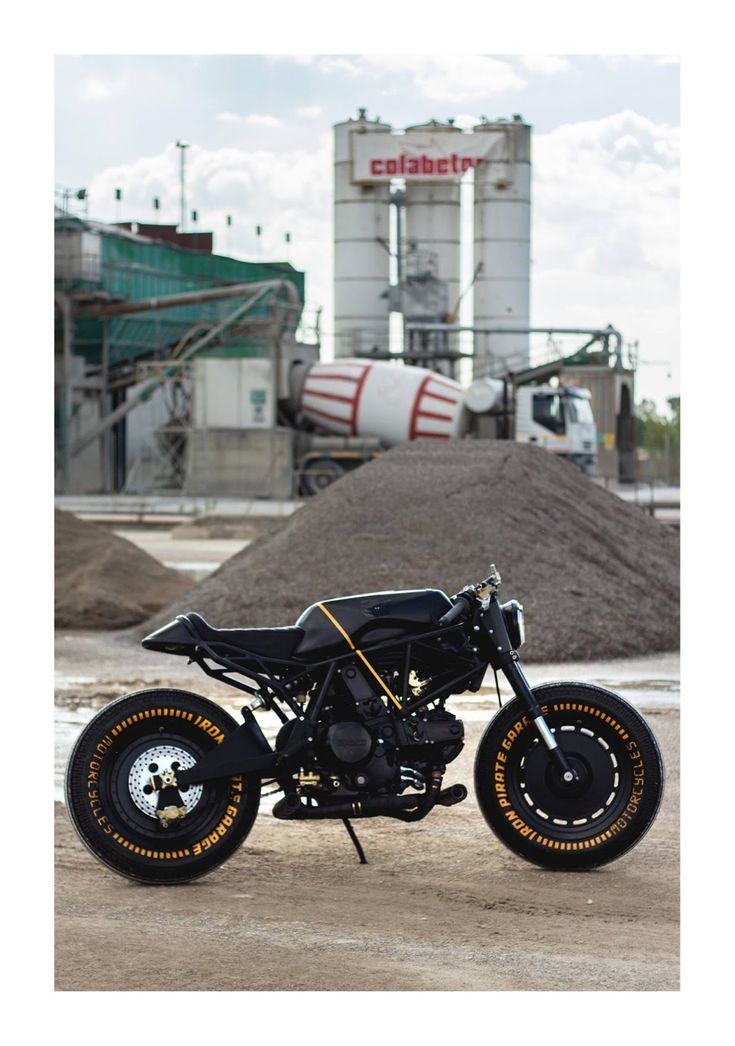Ducati SS 750 Cafe Racer by IRON Pirate Garage - Photos by Tania Innocenti #motorcycles #caferacer #motos | caferacerpasion.com