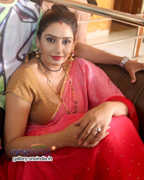 Ragini Dwivedi -Return-Of-Deep-Valley2