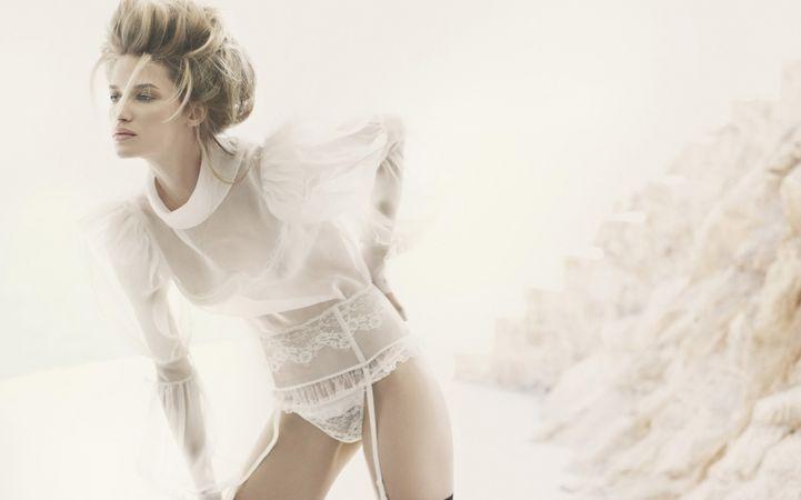 Wispy White Lingerie Wallpaper: Fashion, Linda Vojtova, André Sarda, Andre Sarda, White Lights, Soft Lights, Sexy Lingerie, White Lace, Lingerie Inspiration