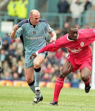 Coventry City 0 Liverpool 3 in Oct 2000 at Highfield Road. Gary McAllister and Emile Heskey battle for the ball #Prem