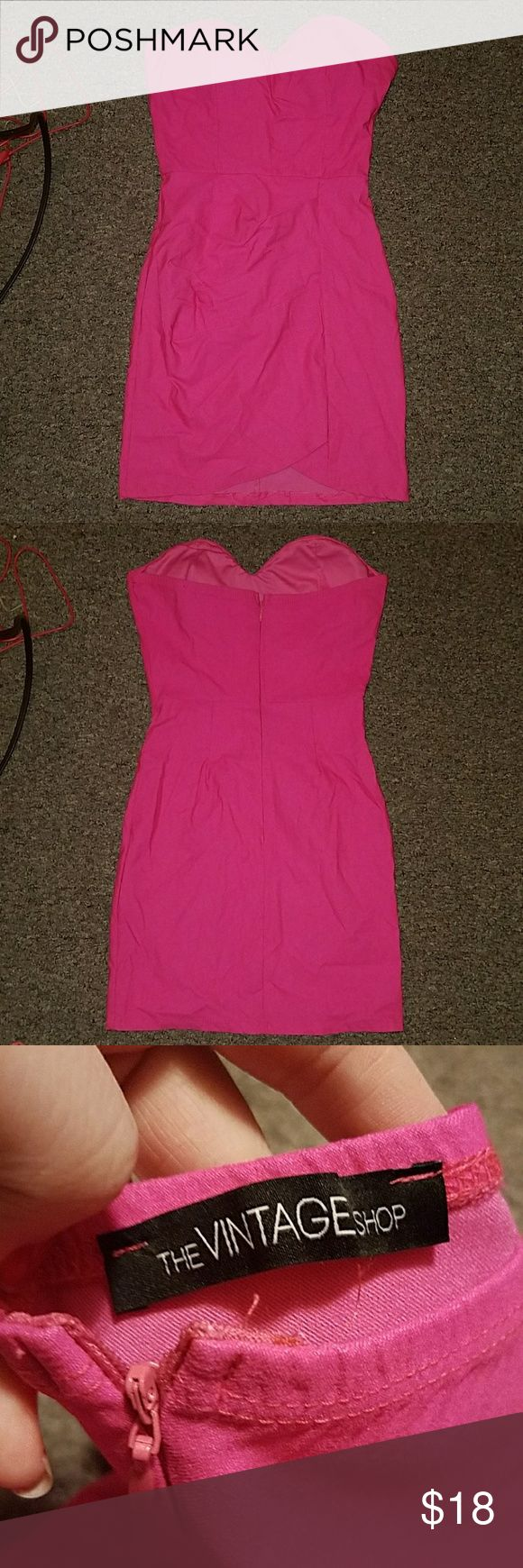 Strapless Neon pink bandage dress Size XS - S By the vintage shop Stretchy Form fitting Will look amazing on darker skin tones and tan skin tones Bundle and offer! The Vintage Shop Dresses Strapless