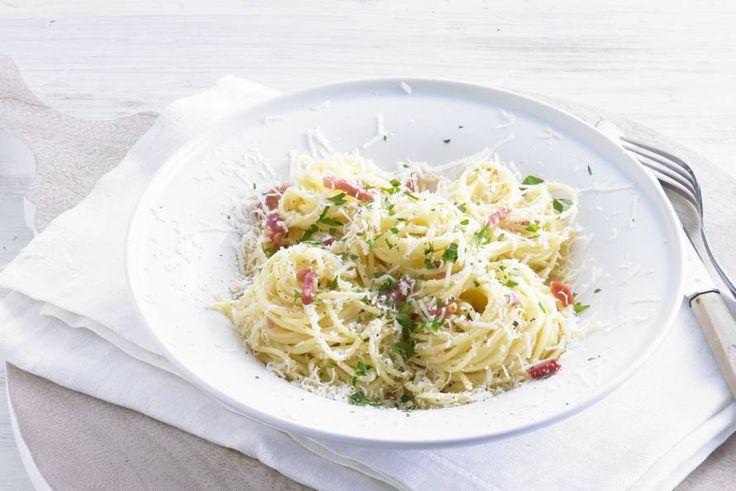 Spek, knoflook, kaas, room en ei… Vijf goeie redenen om deze pasta te maken - Recept - Superromige spaghetti carbonara - Allerhande