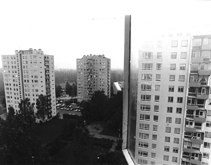 De torenflats van de wijk waar Tom in woont.
