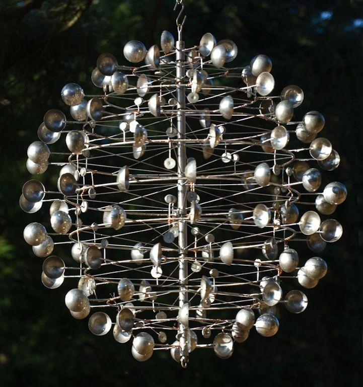 De um coração de metal para uma modelo a obras grandiosas de encher os olhos, conheça o processo de criação e a visão artística do escultor americano