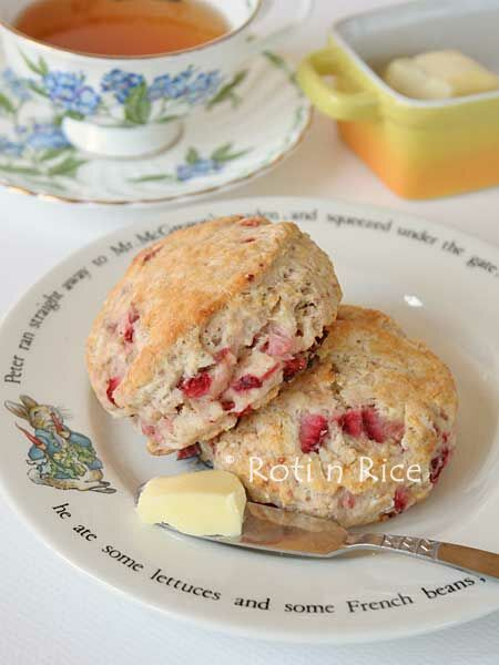 Soft, buttery, and cake-like Strawberry Sour Cream Scones perfect for brunch or afternoon tea. | Food to gladden the heart at RotiNRice.com
