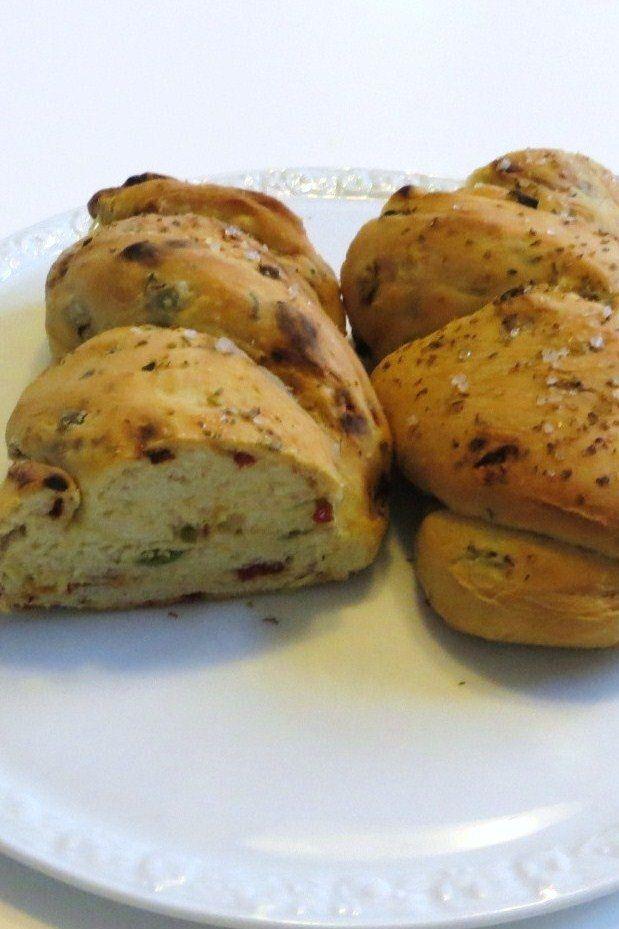 L'articolo Treccia con olive e pomodori secchi proviene da Ricette della Nonna.  L'articolo Treccia con olive e pomodori secchi proviene da Ricette della Nonna.