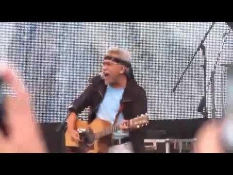 Iwan Fals - Pesawat Tempur Live konser Garut