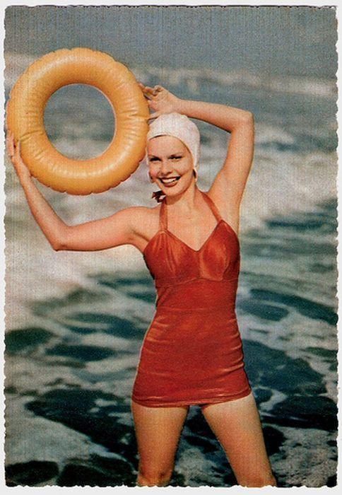 vintage pin up photo maillot de bain image années 50                                                                                                                                                                                 Plus