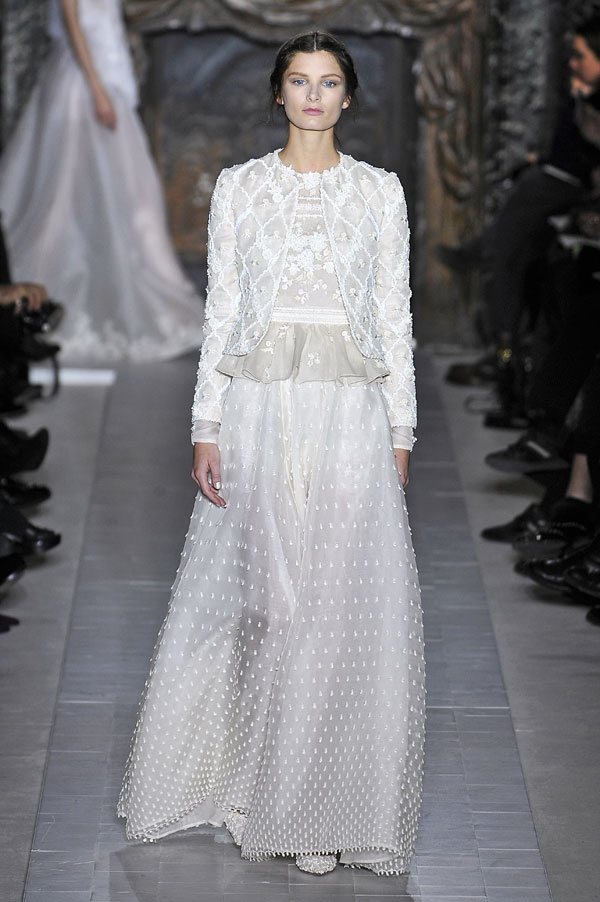 Semana da Moda de Paris: vestidos de noiva 2013. #casamento #vestidodenoiva #peplum