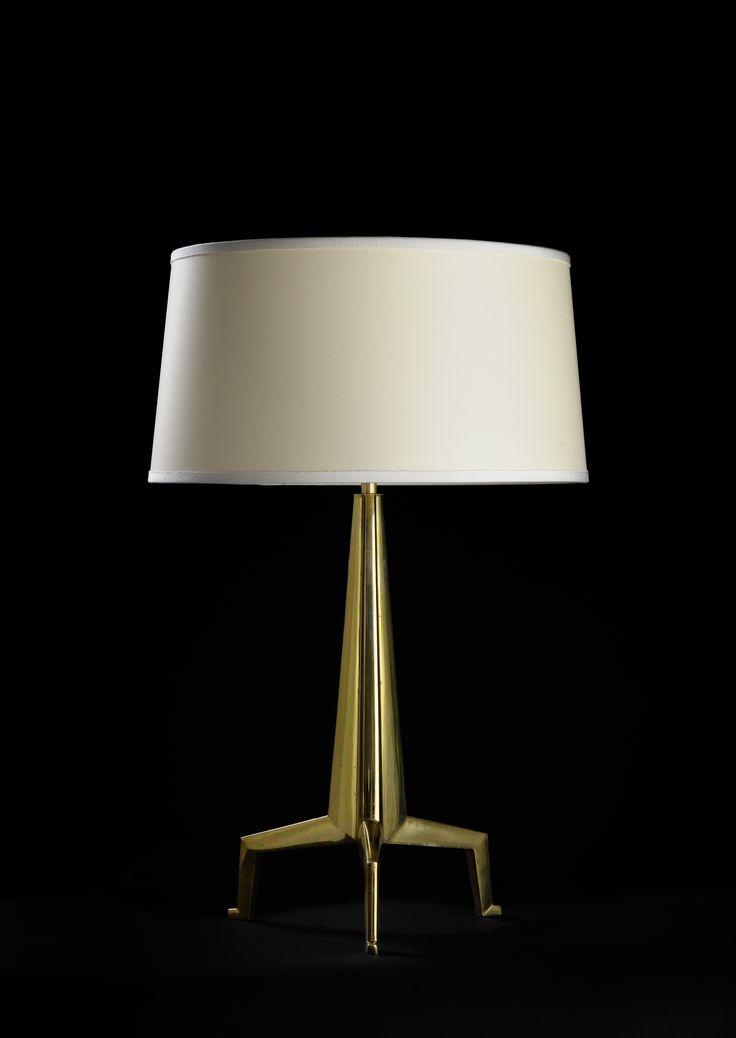 Lampe tripode en bronze à patine or d'origine. par Jacques Quinet, vers 1957. Tripod original « or » patinated bronze lamp. by Jacques Quinet, circa 1957.