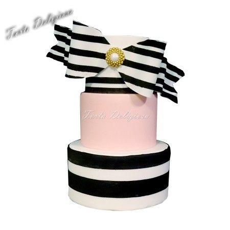 Wedding cake black and white stripes Large Bow brooch Bruidstaarten zwart wit grote strik broche strepen